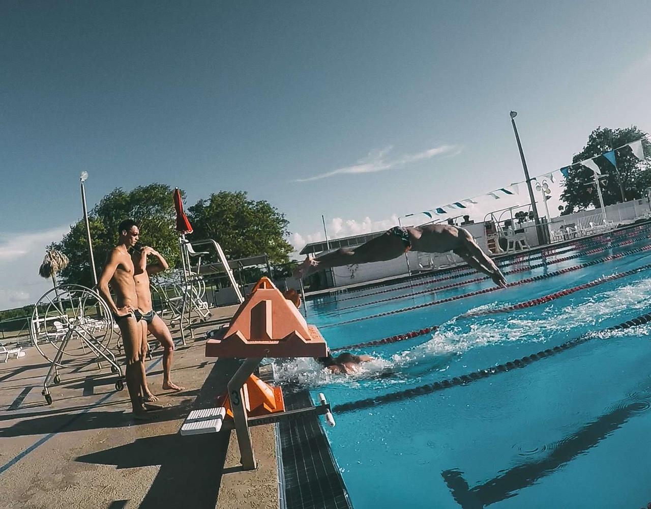 奥运游泳队队员的日常生活