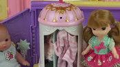 玩具过家家!洋娃娃开汽车与折叠化妆箱-游乐园第19栏-猫脚功夫