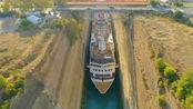 世界最大轮船穿越仅有24米宽的河道,几乎是贴着山崖走,网友:看的好紧张