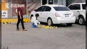 警察参与逮捕墨西哥大毒枭之子 停车场遭暗杀中150多枪 现场曝光