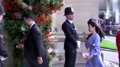刘强东夫妇出席英国皇室婚礼高调秀恩爱