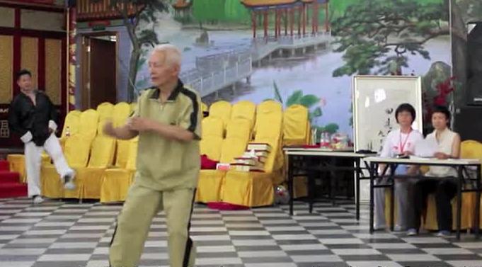 杨德厚大师在和谐杯北京陈式太极拳邀请赛的表演