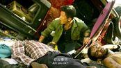 战狼2:吴京翻车掉进尸坑,惨被难民抢劫,这战狼混的太惨了