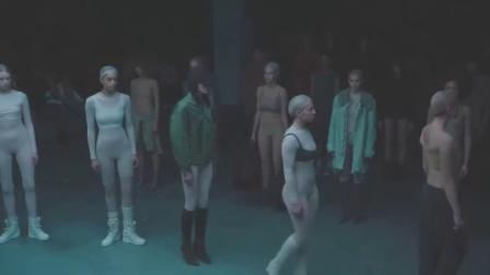 Kanye West adidas 肉色连体紧身衣谁招架得住?