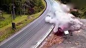 大货车一旦出事故,那都是大动静的,毁天灭地!