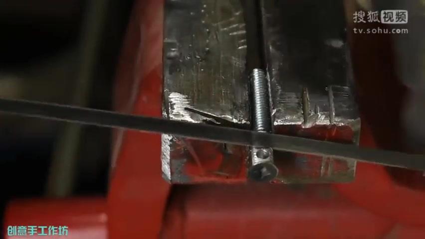 自己动手制作一个纯铜手机指环扣 铜板螺丝钉DIY手机壳卡扣