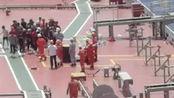 刚刚!一渔船南沙海域遇险船上32人已被全部救出 现场画面曝光