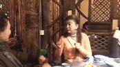 第一次见重庆棒棒鸡现场版,妹子这番演技真是太好笑了
