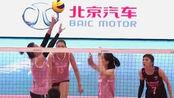 女排全明星比赛,张常宁袁心玥场下为队友加油,太精彩了!