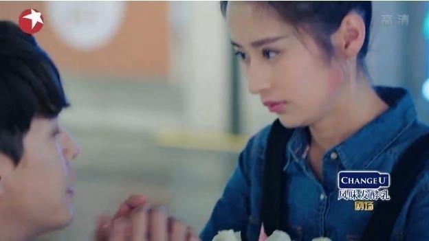 一粒红尘:颖儿和帅男友强行秀恩爱,好甜蜜,最后和吴奇隆在一起