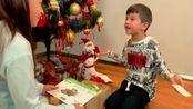 圣诞怪杰和丹尼斯的圣诞礼物。