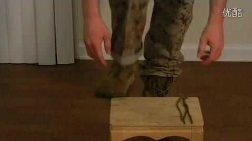 军靴如何塞裤腿
