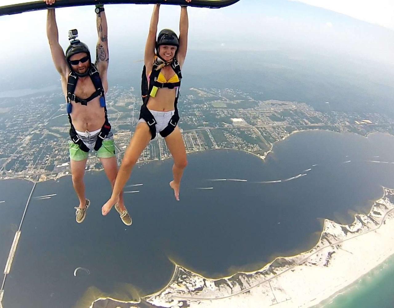GoPro: 直升机跳伞