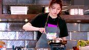 《美食告白日记》关晓彤亲自下厨给爸爸做可乐鸡翅,满满的爱