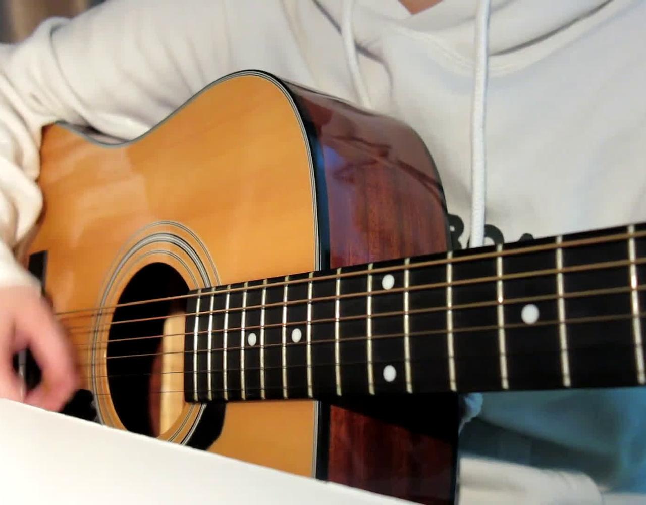 【吉他弹唱】Spitz -定能飞向天空