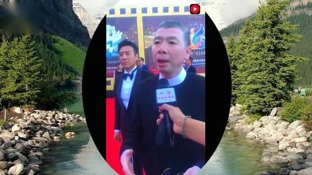 金鸡百花电影节红毯采访冯小刚,期待他的电影芳华