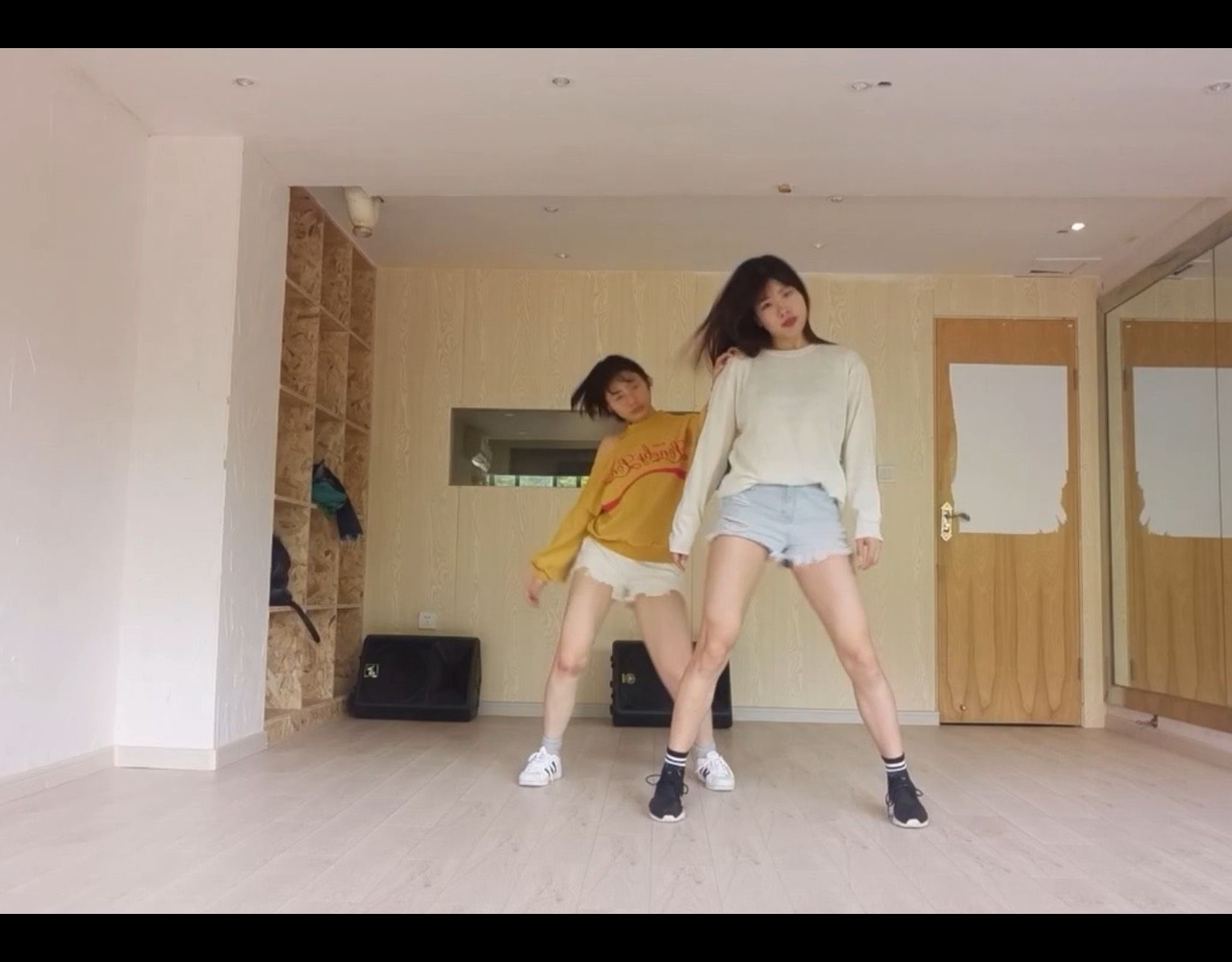【邓小葵】Pristin出道曲Wee Woo 练习室版 cover