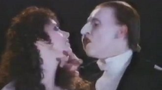 迈克尔·克劳福德和莎拉布莱曼合唱《Music Of The Night》