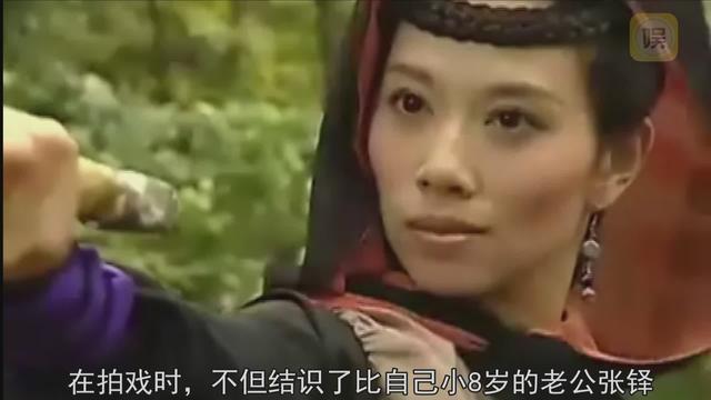 《新上海滩》里的冯程程 最红时被经纪人赶出门,如今嫁内地老公超幸福