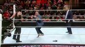 WWE:麦克马实力坑人,被送葬者一个眼神吓跑,还嘲笑被摔的人