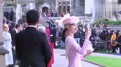 刘强东夫妇出席英国皇室婚礼