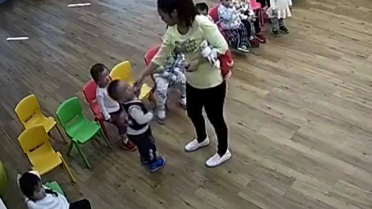 视频 殴打、喂芥末!携程幼儿园老师涉嫌虐童