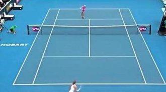 WTA霍巴特站女单决赛精彩击球:梅尔滕斯