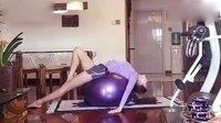 瑜伽球瘦腿操