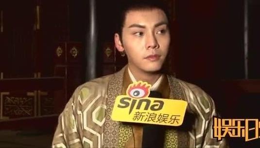 陈伟霆蹩脚普通话:拍醉玲珑太忙了,上个月都没回家
