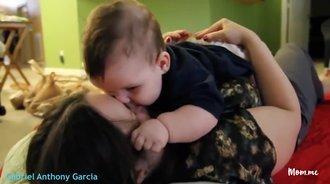 我们记录下了五个宝宝给妈妈的吻,每一个都是满满的爱!
