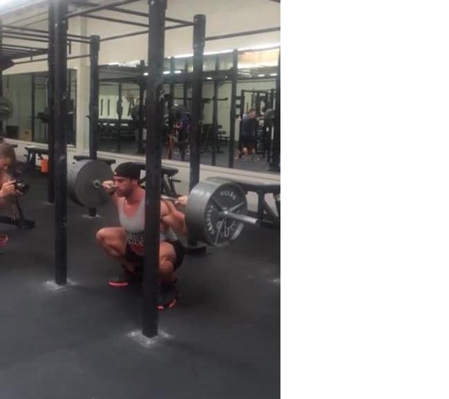 布拉德利·马丁 没腰带405磅深蹲蹲停30秒