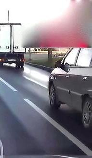 如此离奇的车祸,交警看完都懵了,没有监控我真不知道该找谁责任
