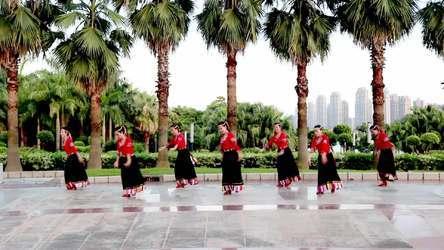 福州水中之月广场舞 青海湖 表演 团队版